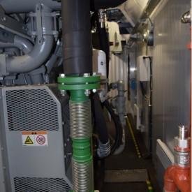 Обвязка системы охлаждения внутри контейнера для газопоршневой электростанции GE Jenbacher 316  в контейнере 12000x3000x3000 мм